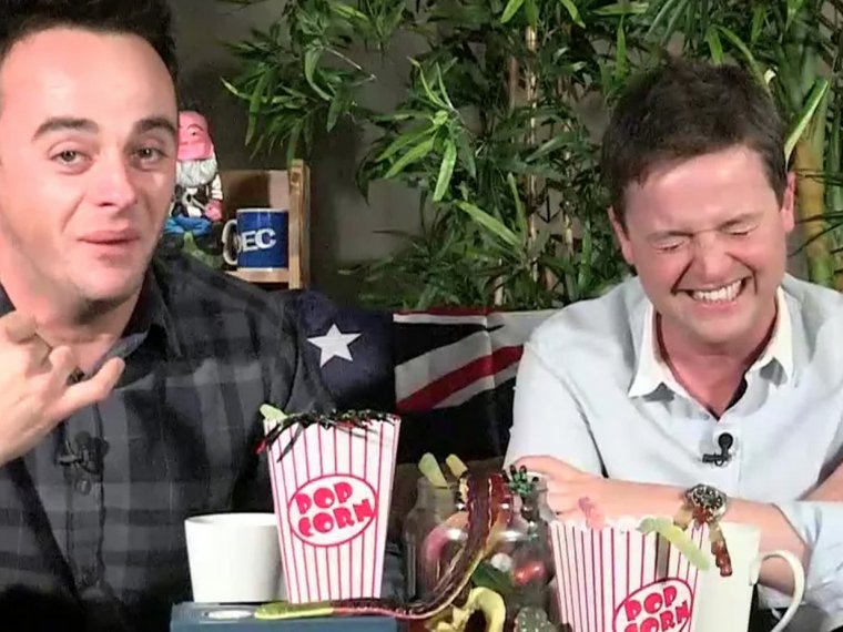 Favourite links: Tom Hanks calls Dec!